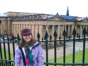 In font of the National Gallery of Scotland wearing my hand-knitted scarf